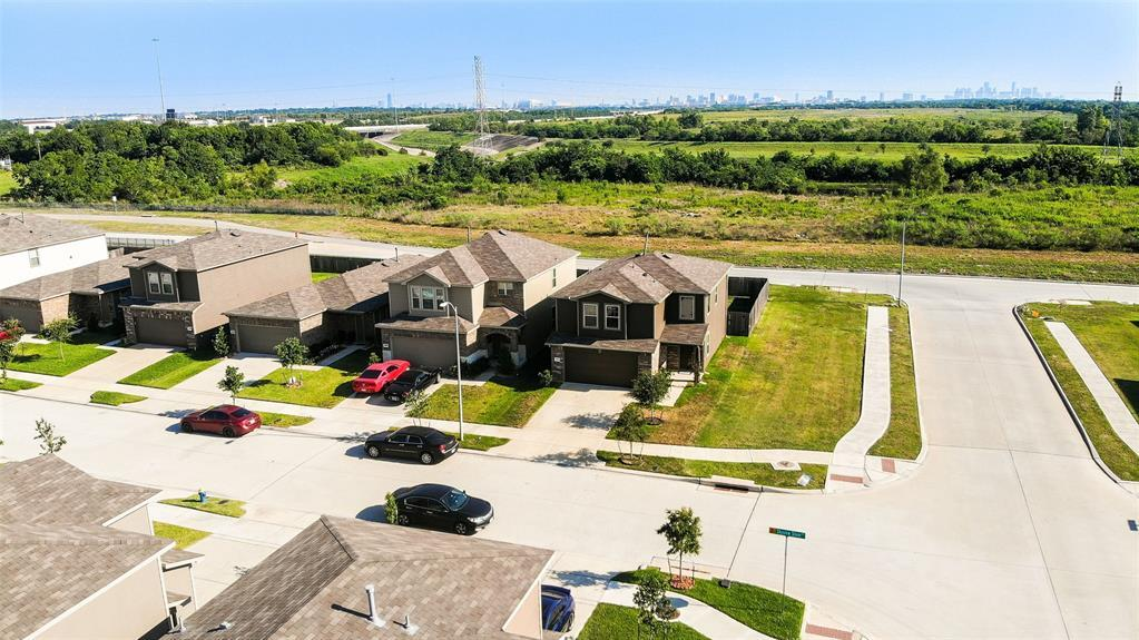 Active | 2531 Skyview Silver  Drive Houston, TX 77047 2