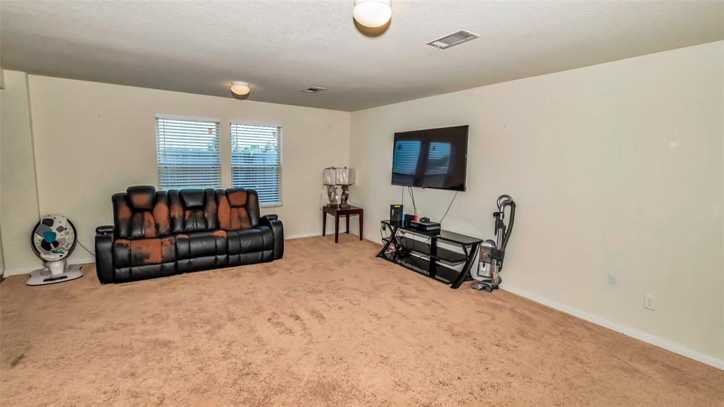 Active | 2531 Skyview Silver  Drive Houston, TX 77047 25