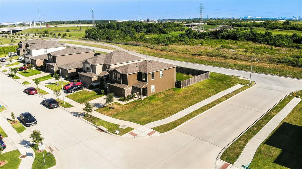 Active | 2531 Skyview Silver  Drive Houston, TX 77047 3