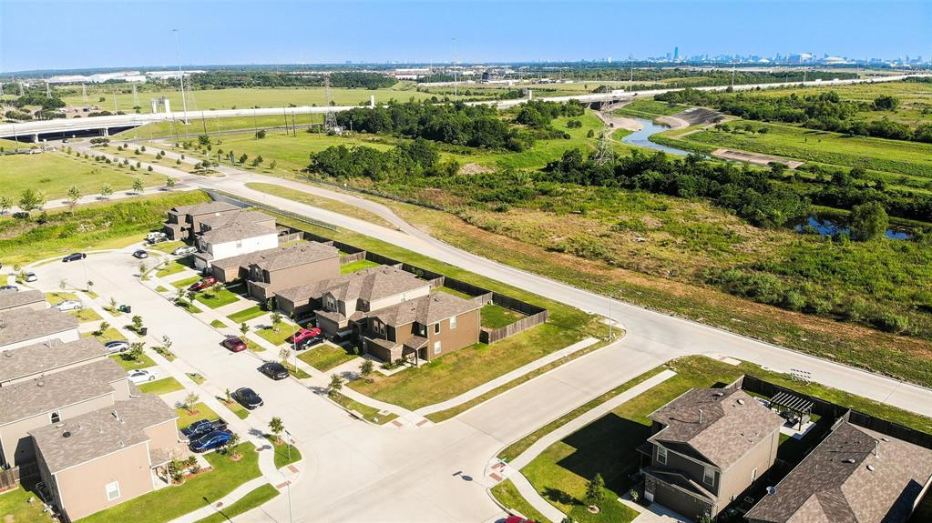Active | 2531 Skyview Silver  Drive Houston, TX 77047 4