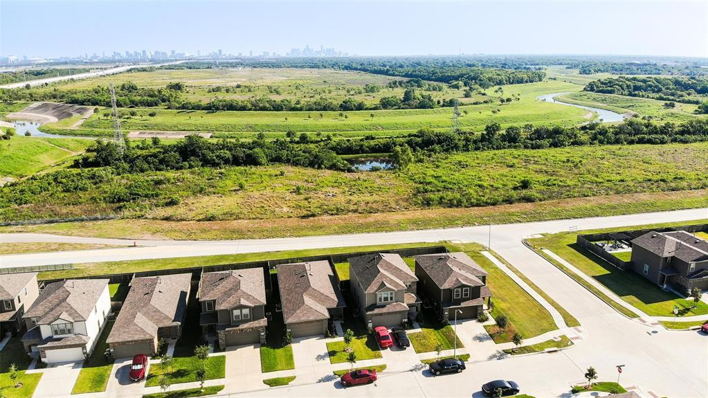 Active | 2531 Skyview Silver  Drive Houston, TX 77047 7