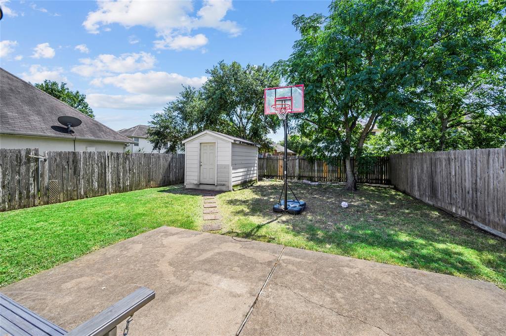 Pending | 6623 Windy River  Lane Katy, TX 77449 4