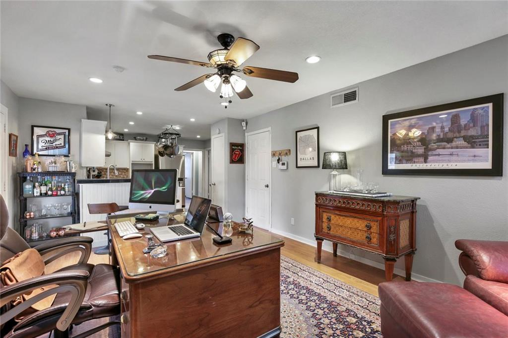 Housed Real Estate | 2620 Telegraph  Avenue Dallas, TX 75228 10