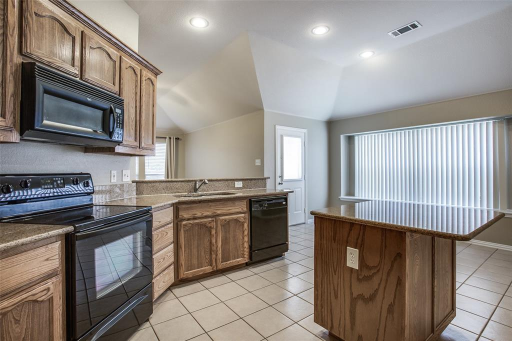 Leased | 2820 Red Wolf  Drive Fort Worth, TX 76244 4