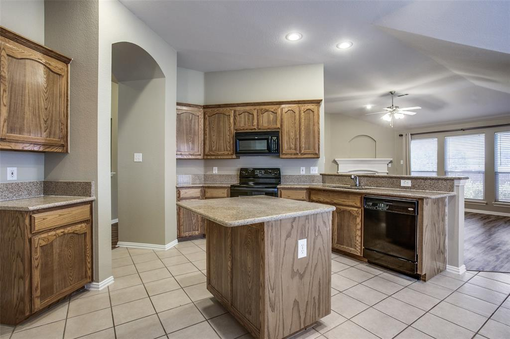 Leased | 2820 Red Wolf  Drive Fort Worth, TX 76244 5