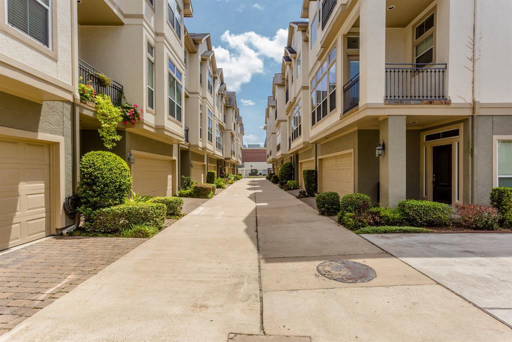 Active   643 Hartman  Street Houston, TX 77007 3