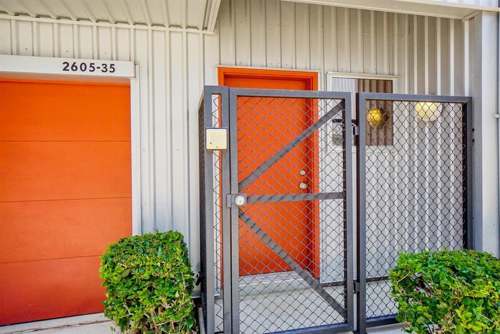 Active   2605 Calumet  Street #35 Houston, TX 77004 3