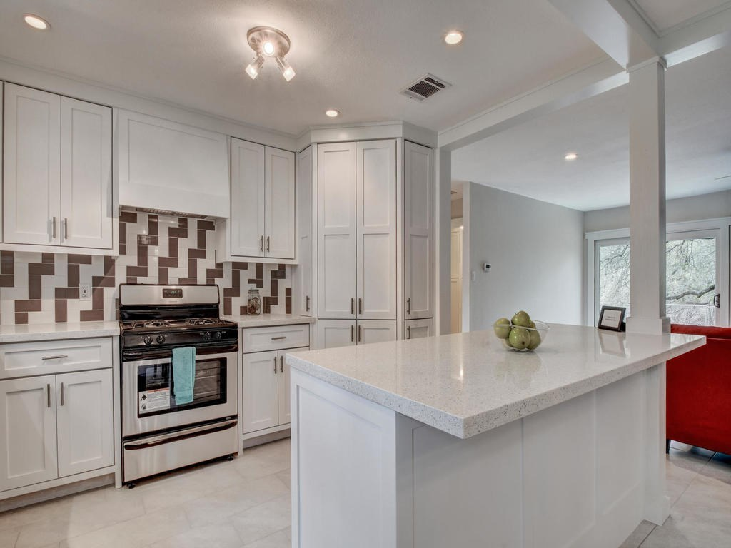 Closed | 6728 Lost Valley Austin, TX 78745 1