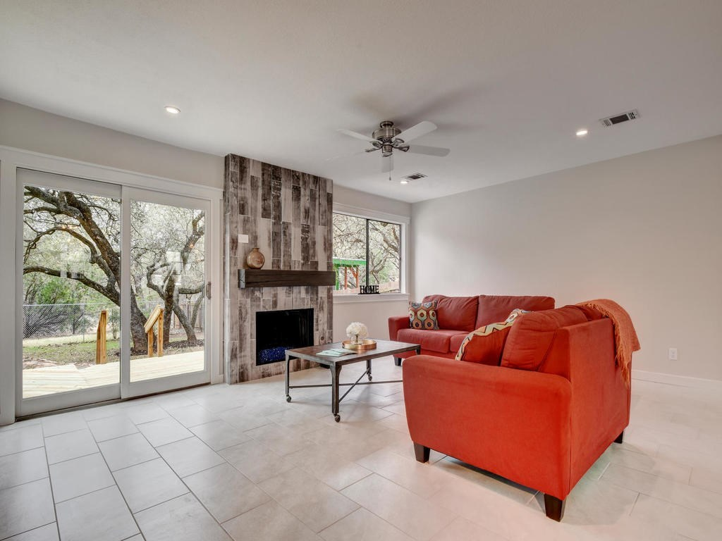 Closed | 6728 Lost Valley Austin, TX 78745 12
