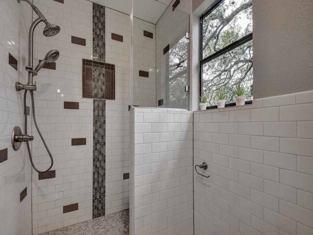 Closed | 6728 Lost Valley Austin, TX 78745 26