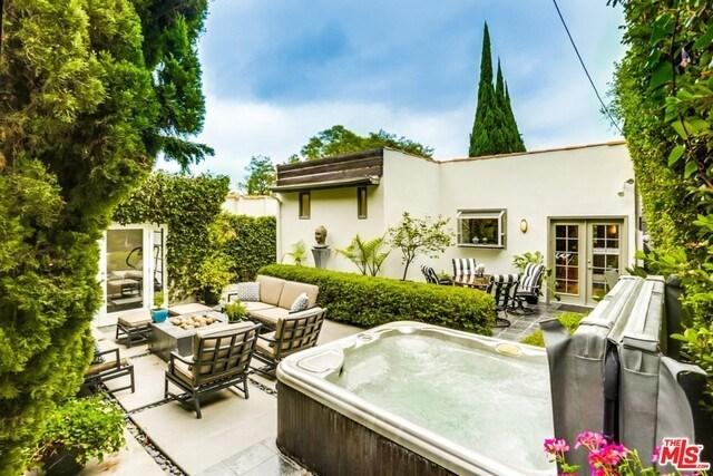 Closed | 9051 LLOYD  Place West Hollywood, CA 90069 17
