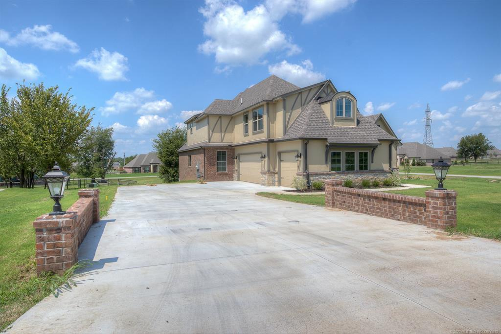 Active | 8724 N 66th East Avenue Owasso, OK 74055 2