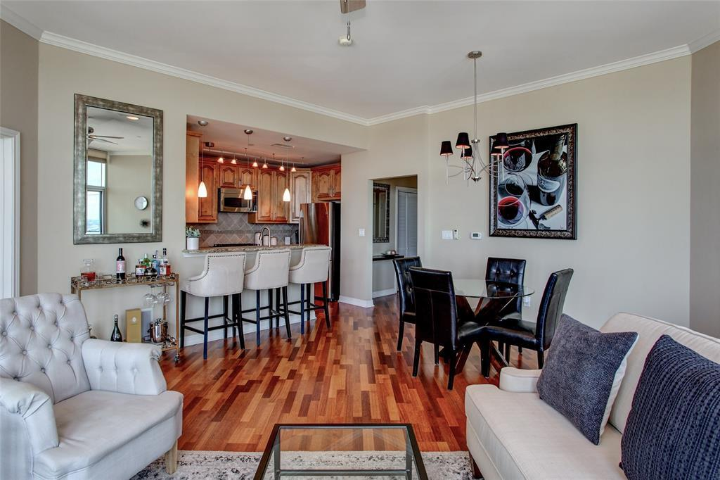 Active | 500 Throckmorton Street #2607 Fort Worth, Texas 76102 18