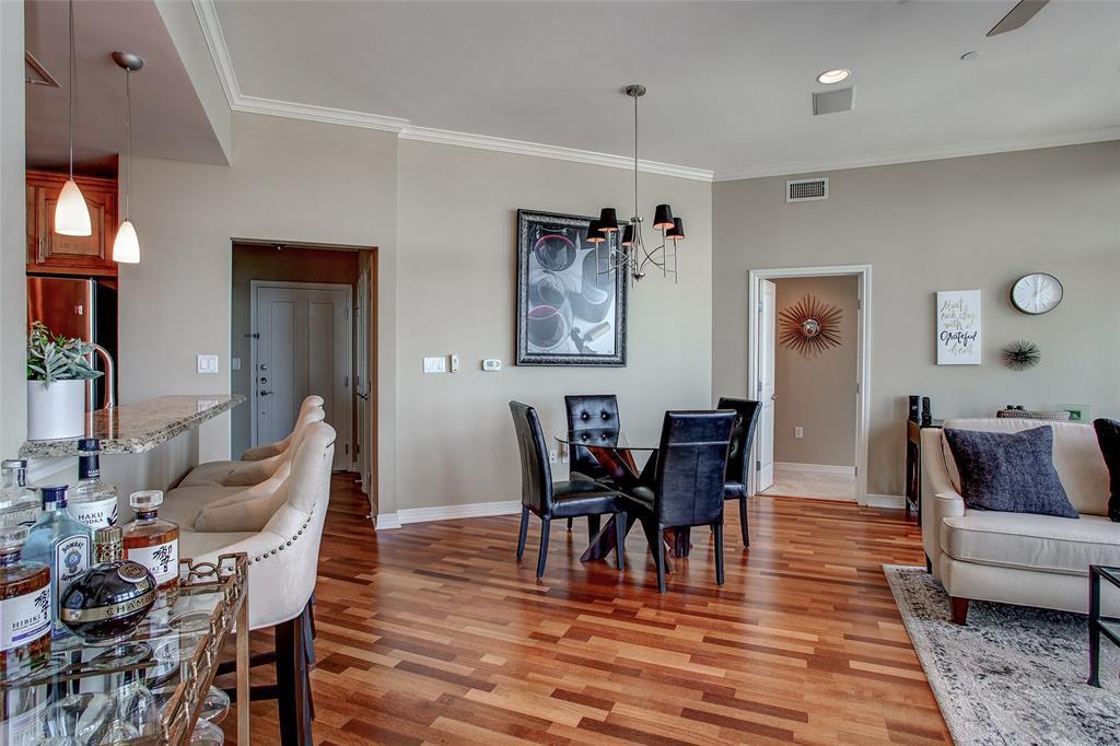 Active | 500 Throckmorton Street #2607 Fort Worth, Texas 76102 9