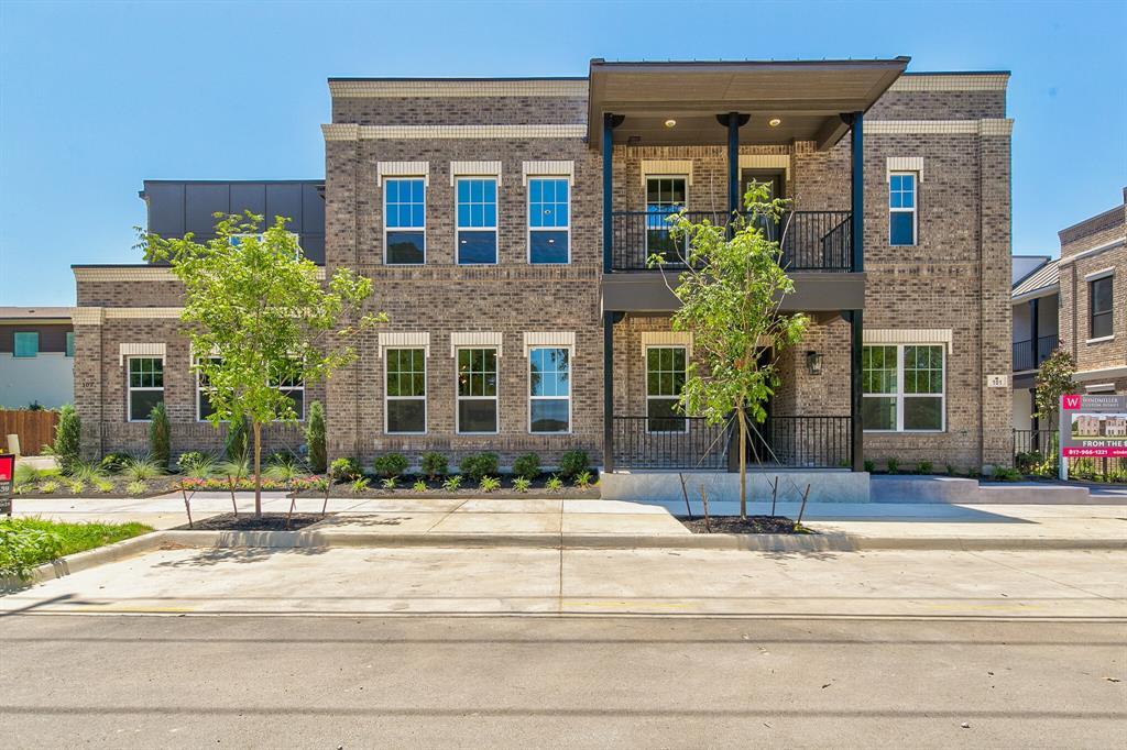 Active | 302 Nursery Lane #103 Fort Worth, Texas 76114 2