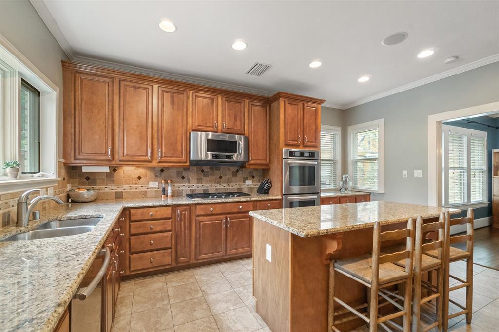 Active Option Contract | 5238 Goodwin  Avenue Dallas, TX 75206 10