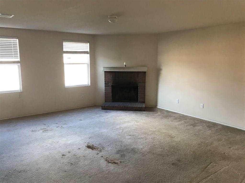 Sold Property | 815 Moss Glen Trail Arlington, Texas 76002 1