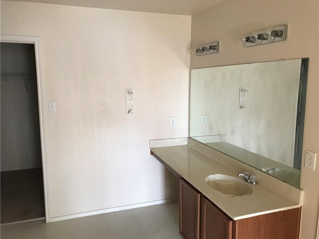 Sold Property | 815 Moss Glen Trail Arlington, Texas 76002 5