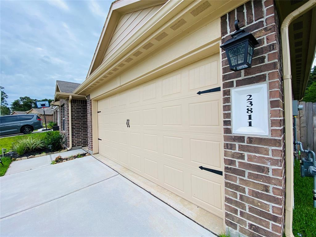 Active   23811 Pinebrook Thicket  Lane Spring, TX 77389 0