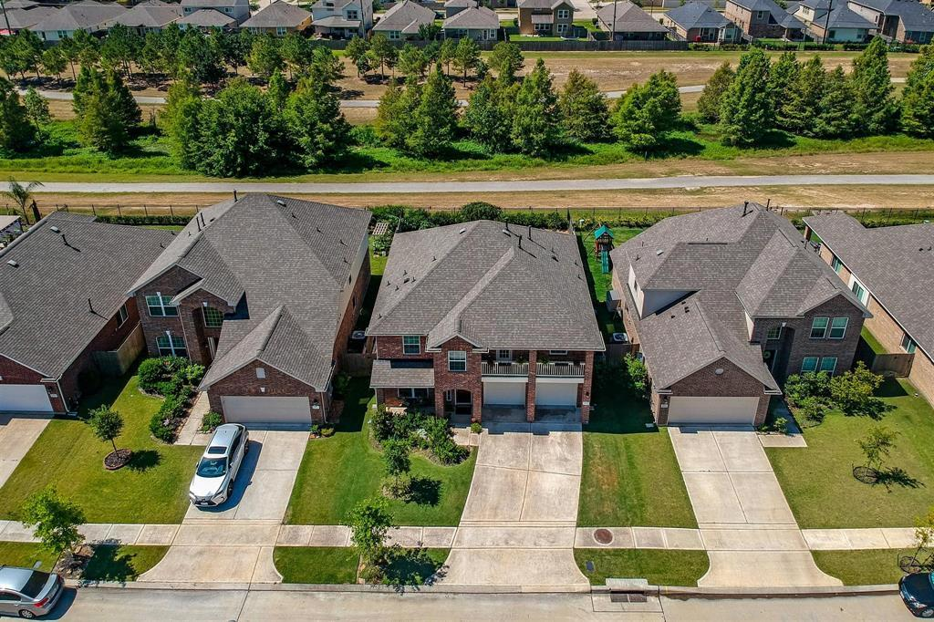 Pending Continue to Show | 24639 Lakecrest Pine  Trail Katy, TX 77493 4