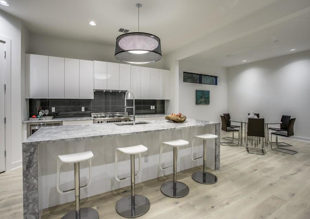 Sold Property | 7019 La Vista Drive Dallas, Texas 75214 3