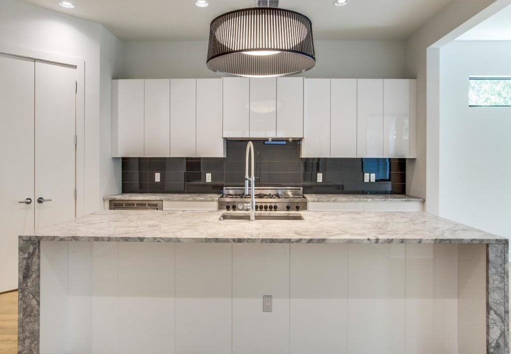 Sold Property | 7019 La Vista Drive Dallas, Texas 75214 4