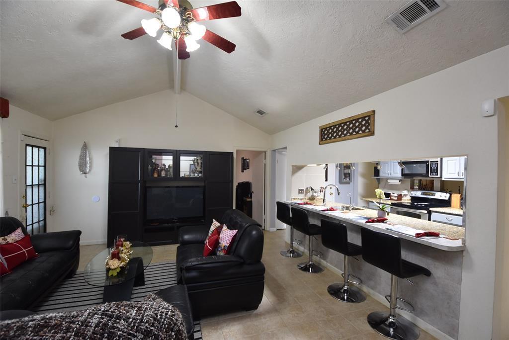 Pending | 20303 Fox Grove  Lane Humble, TX 77338 14