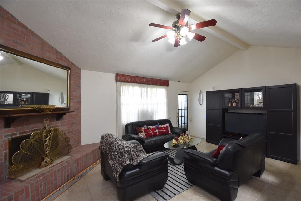 Pending | 20303 Fox Grove  Lane Humble, TX 77338 15