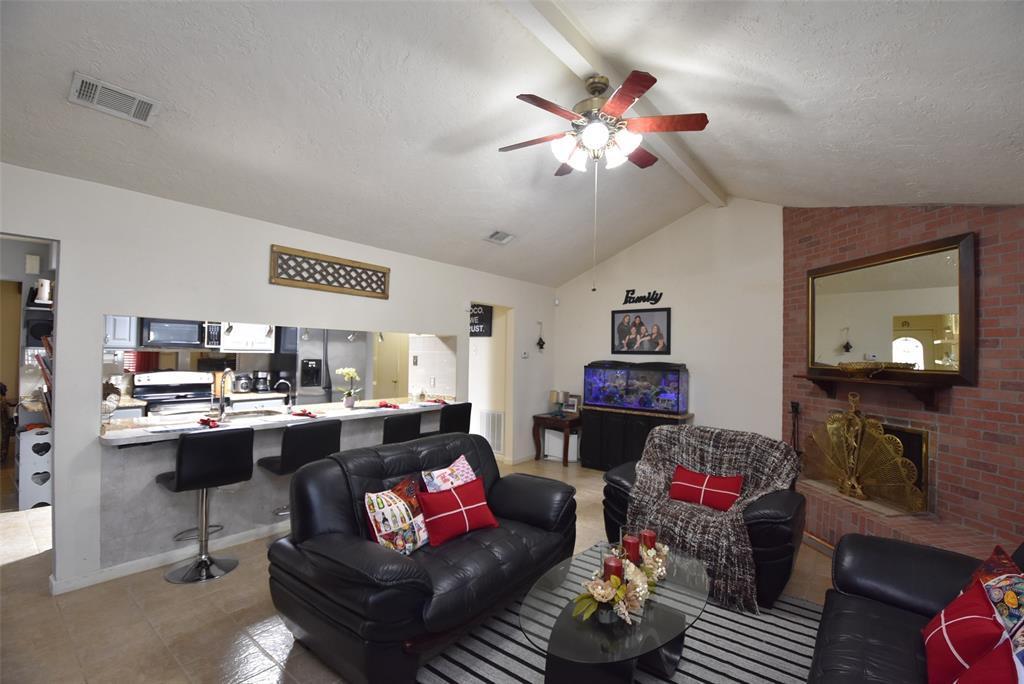 Pending | 20303 Fox Grove  Lane Humble, TX 77338 16