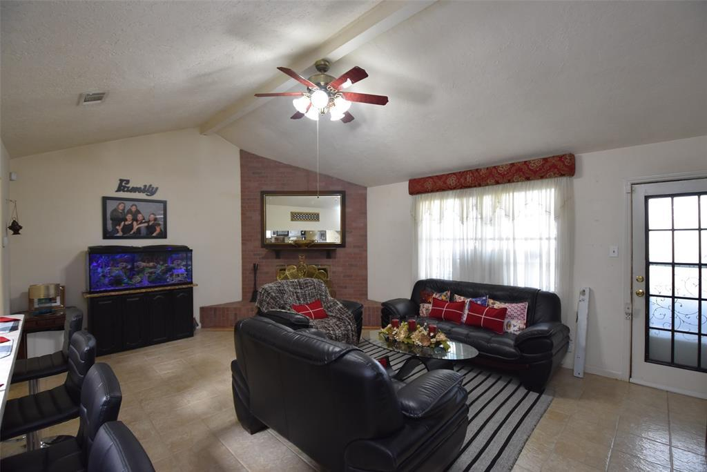 Pending | 20303 Fox Grove  Lane Humble, TX 77338 18