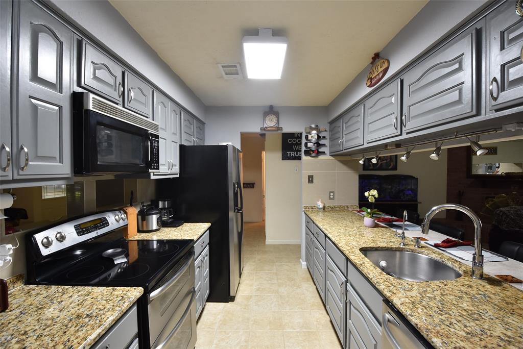 Pending | 20303 Fox Grove  Lane Humble, TX 77338 21