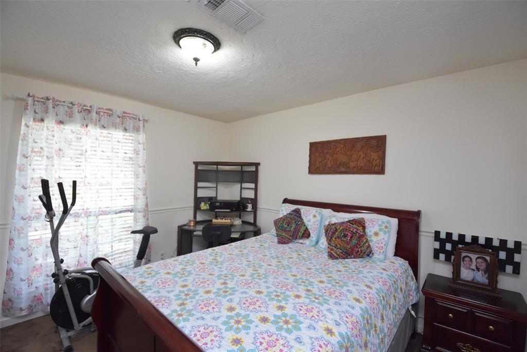 Pending | 20303 Fox Grove  Lane Humble, TX 77338 9