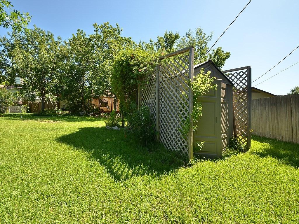Closed | 2505 N Shields Drive Austin, TX 78727 37
