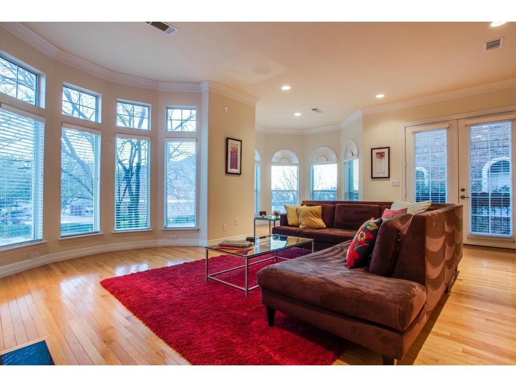 Sold Property | 2215 Canton  #113 Dallas, TX 75201 4