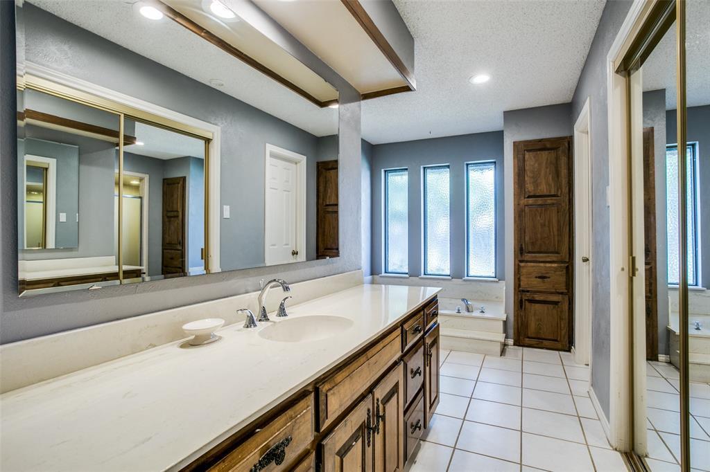 Sold Property | 3905 S Shadycreek  Drive Arlington, TX 76013 13