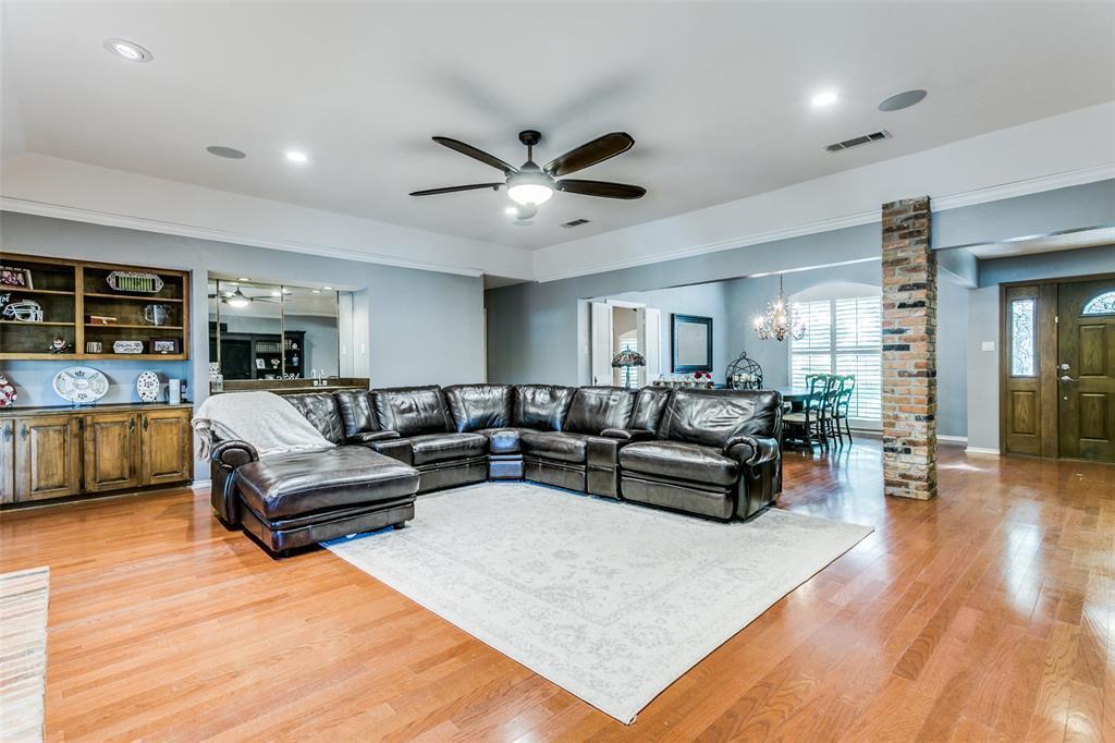 Sold Property | 3905 S Shadycreek  Drive Arlington, TX 76013 5
