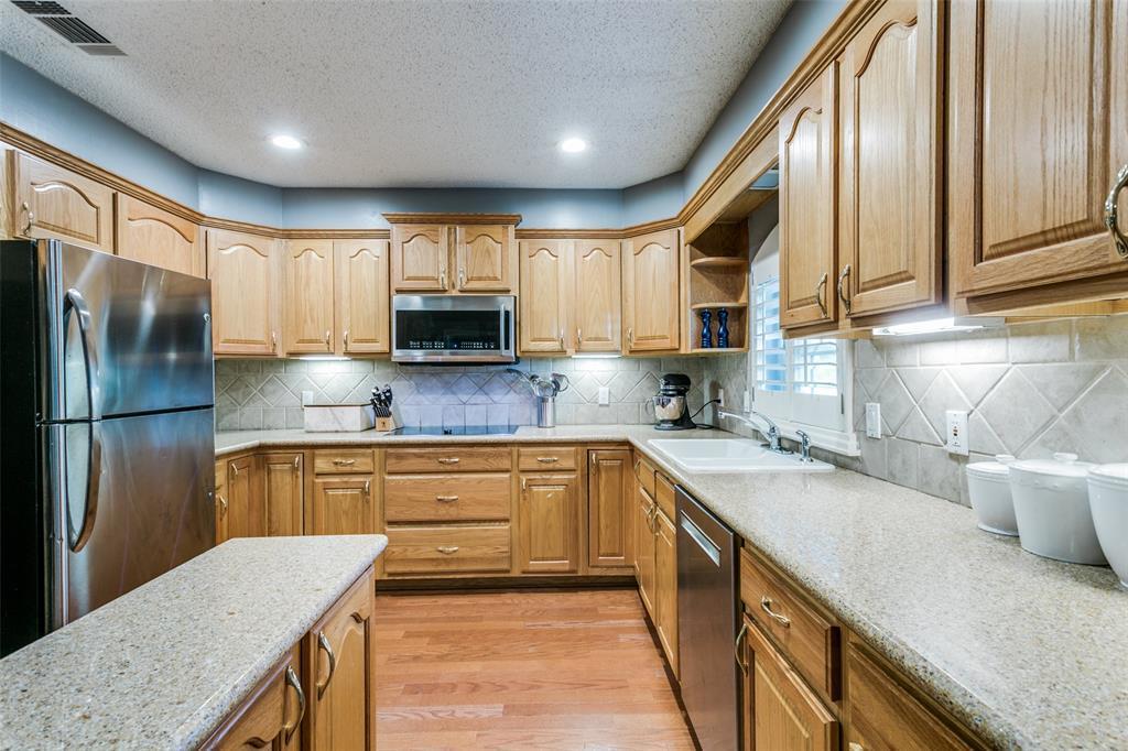 Sold Property | 3905 S Shadycreek  Drive Arlington, TX 76013 10