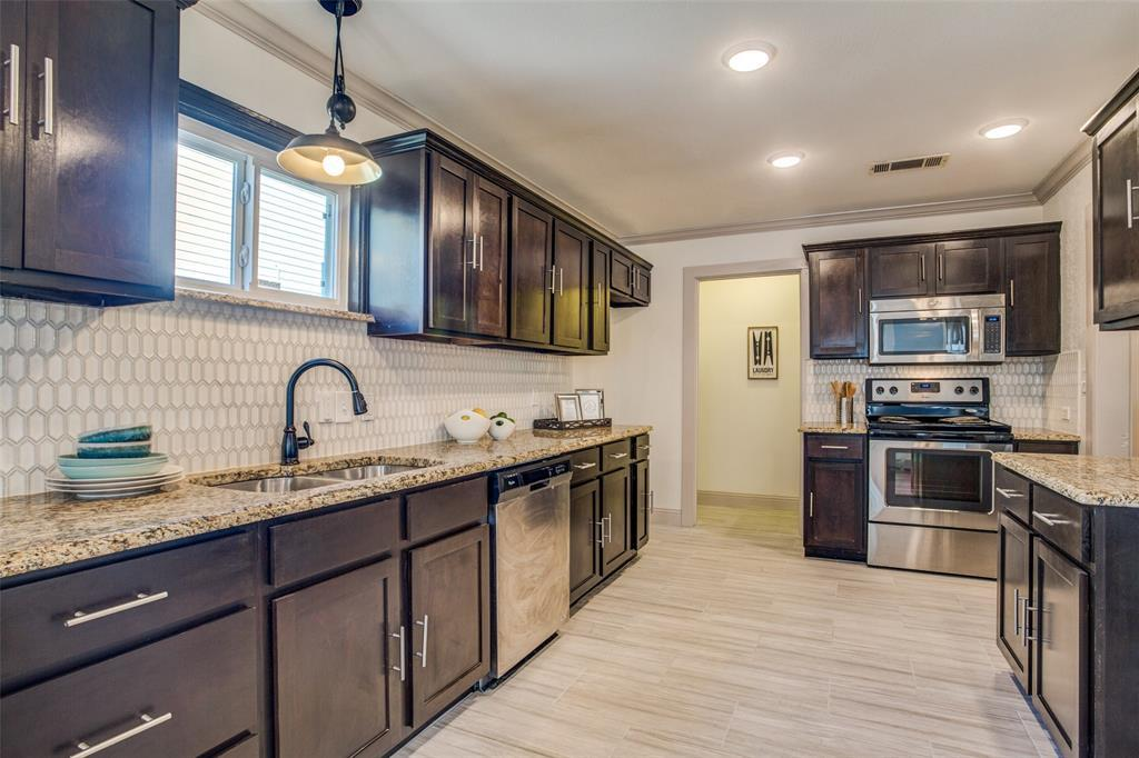 Sold Property | 4917 Calmont  Avenue Fort Worth, TX 76107 13