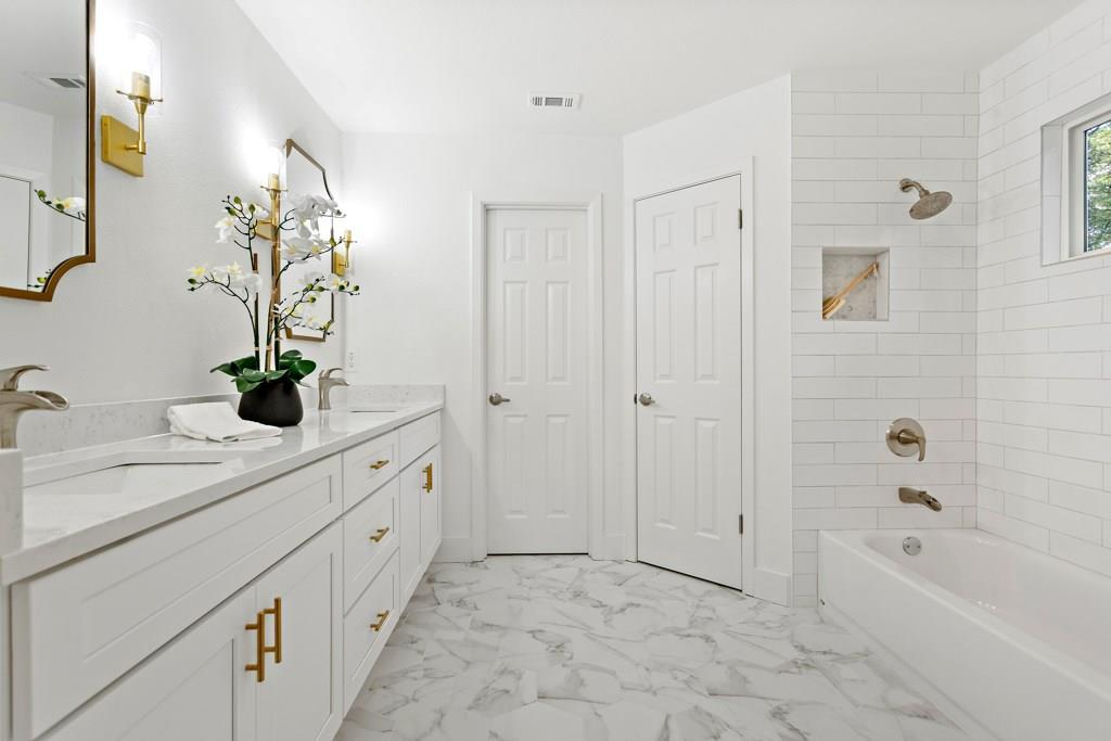 Sold Property | 11907 Hardwood  TRL Austin, TX 78750 18