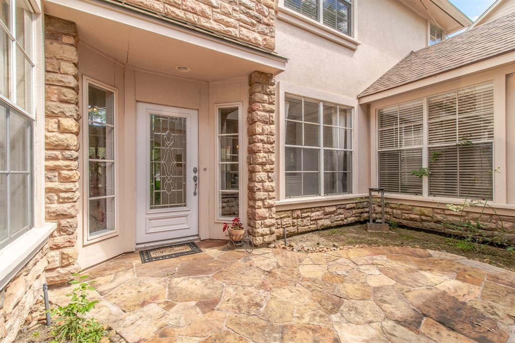 Pending | 26 N Plum Crest  Circle The Woodlands, TX 77382 13