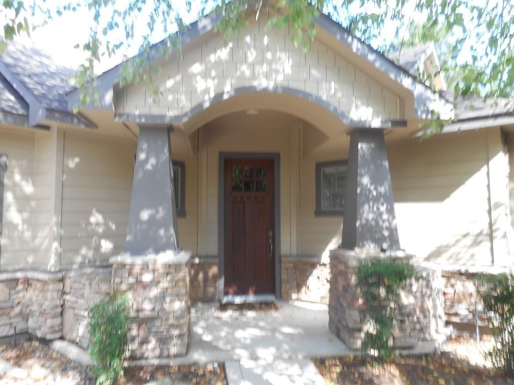 Active | 83 Douvaine  Court The Woodlands, TX 77382 0