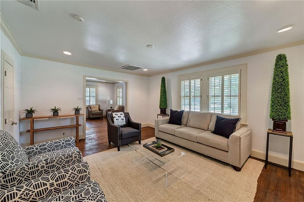 Active | 1200 Clover Lane Fort Worth, Texas 76107 2