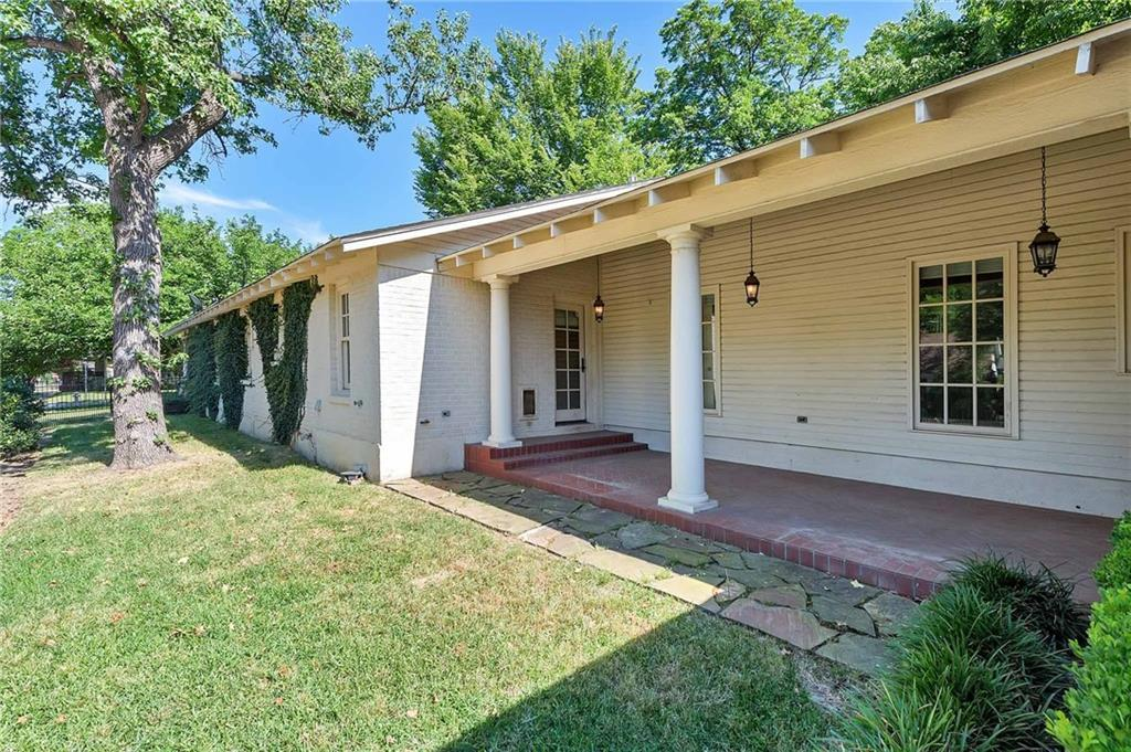 Active | 1200 Clover Lane Fort Worth, Texas 76107 21