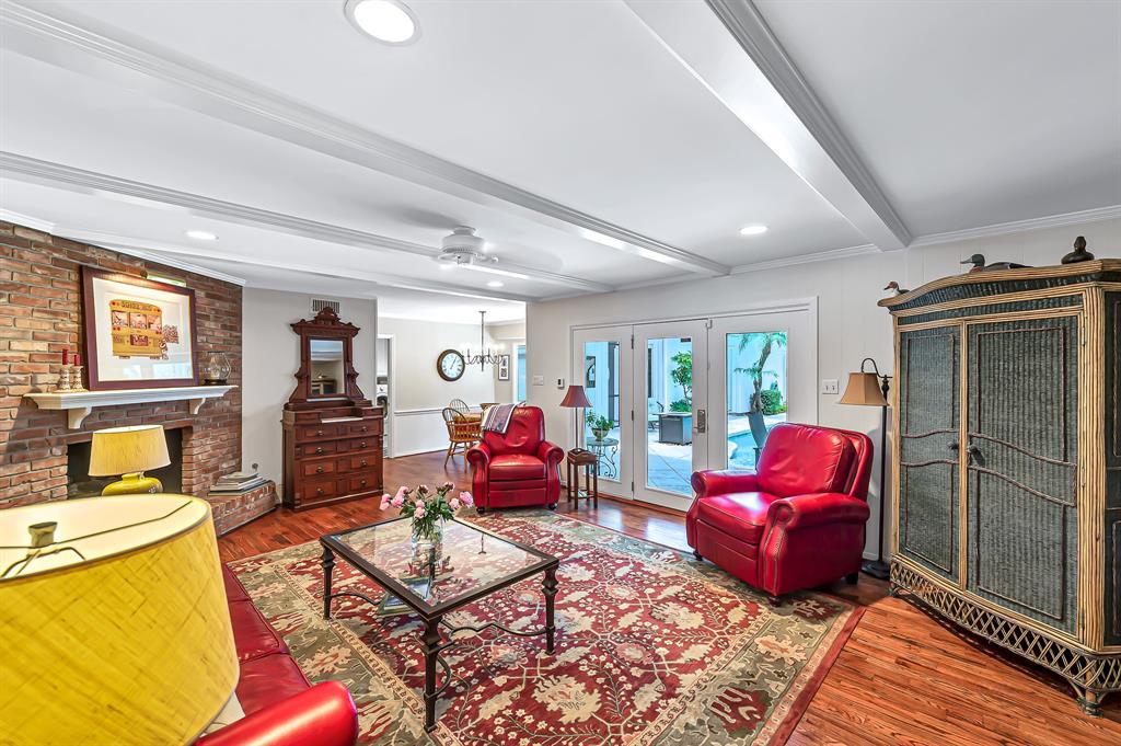 Briargrove Park, Houston House for sale, House with a pool,    10006 Cedar Creek  Drive Houston, TX 77042 14