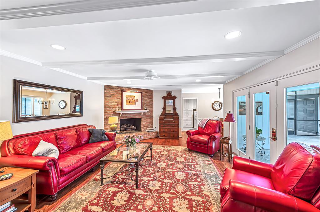 Briargrove Park, Houston House for sale, House with a pool,    10006 Cedar Creek  Drive Houston, TX 77042 15