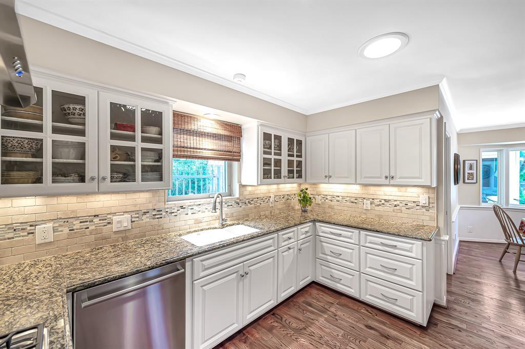 Briargrove Park, Houston House for sale, House with a pool,    10006 Cedar Creek  Drive Houston, TX 77042 21