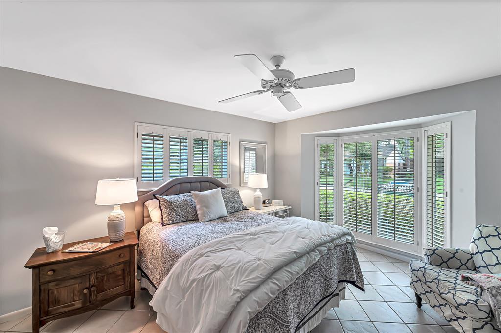 Briargrove Park, Houston House for sale, House with a pool,    10006 Cedar Creek  Drive Houston, TX 77042 22