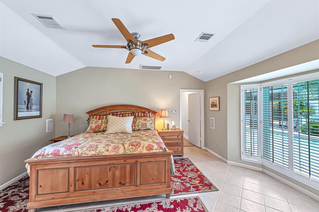 Briargrove Park, Houston House for sale, House with a pool,    10006 Cedar Creek  Drive Houston, TX 77042 28