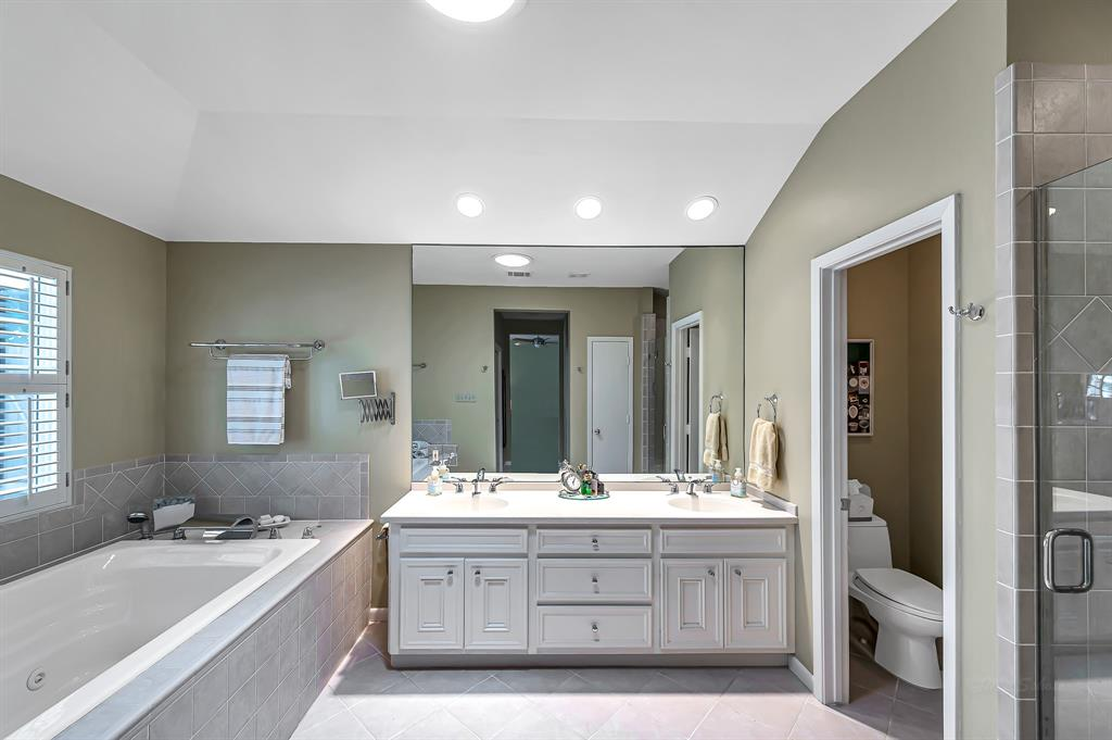 Briargrove Park, Houston House for sale, House with a pool,    10006 Cedar Creek  Drive Houston, TX 77042 29