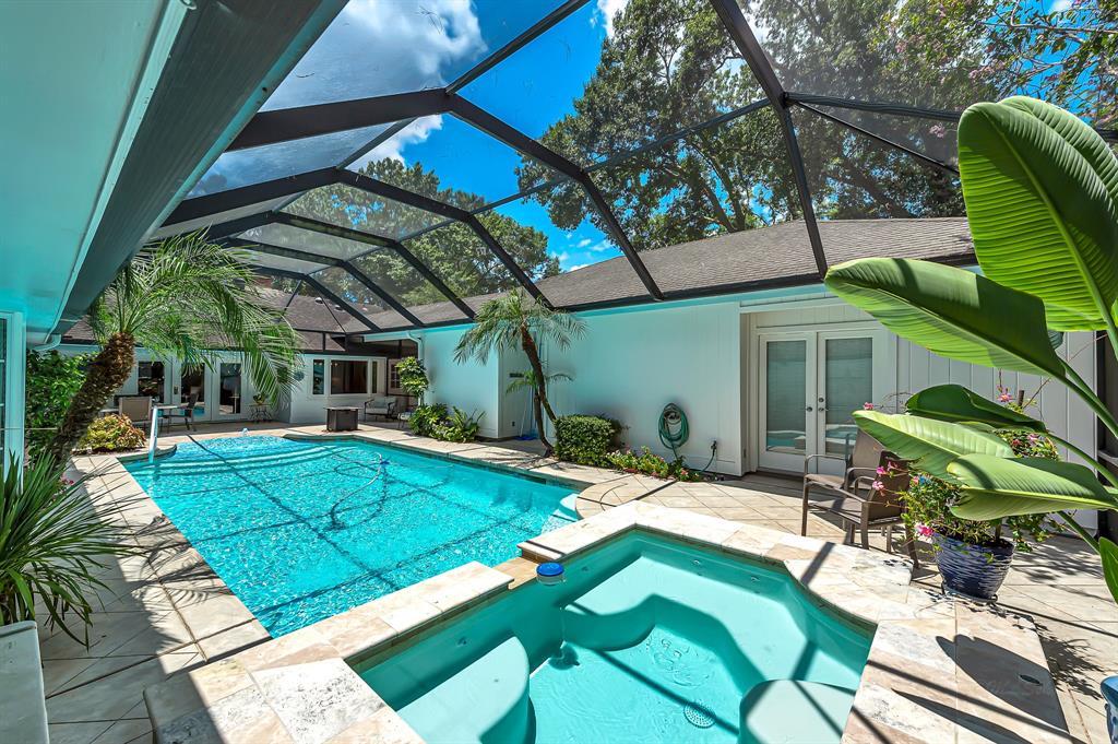 Briargrove Park, Houston House for sale, House with a pool,    10006 Cedar Creek  Drive Houston, TX 77042 38